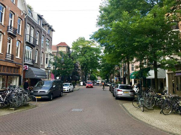 Winkelstraat De Cornelis Schuytstraat