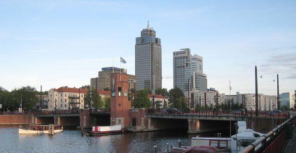 De Rembrandttoren is het hoogste gebouw van de stad